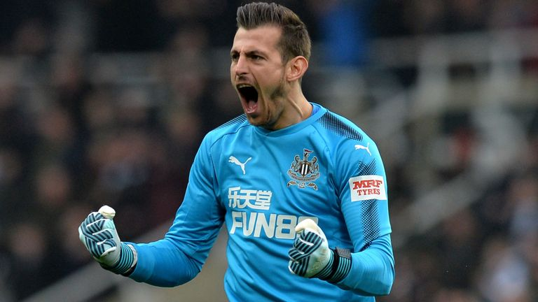Juventus Bidik Kiper Newcastle United