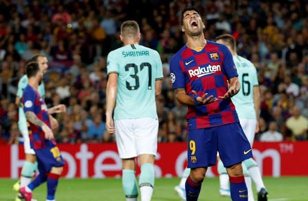 Barcelona Tengah Mencari Pengganti Luis Suarez